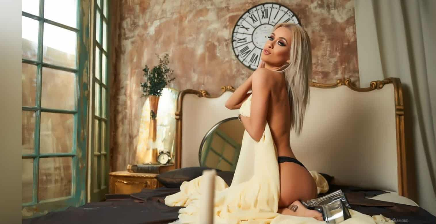 Evelyn Diamond – Good Girl Gone Bad (Livejasmin Adult Cam Model)