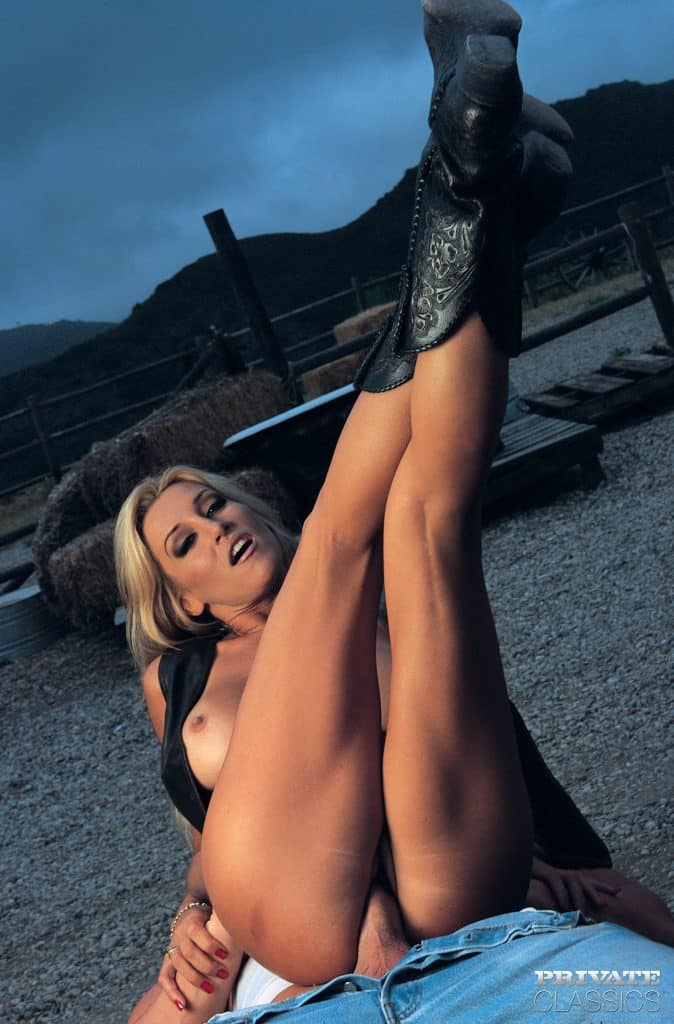 Jill Kelly 4